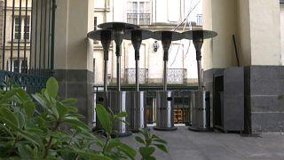 ¿Se quedarán sin estufas las terrazas de París?