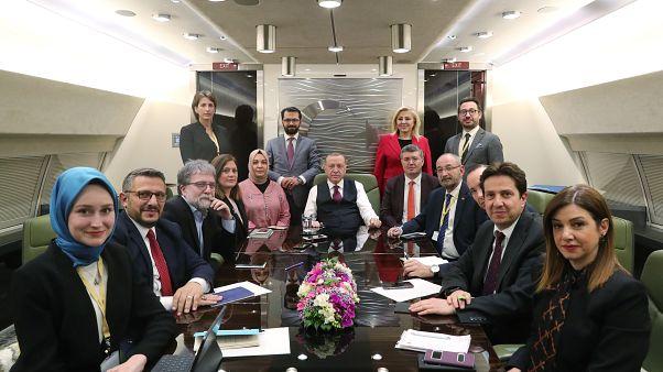 O πρόεδρος της Τουρκίας κατά την επιστροφή του από τις Βρυξέλλες