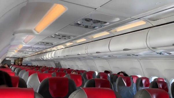 طائرات الخطوط الإيبيرية شبه خالية من المسافرين في اتجاهها نحو إيطاليا.