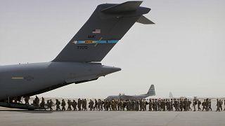 Afganistan'da konuşlu Amerikan askerleri, ülkeden ayrılırken. Bagram Hava Üssü / Afganistan