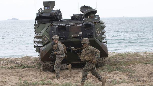 الجيش الأمريكي بدأ بالانسحاب من قاعدتين في افغانستان