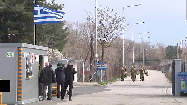یونان از بیم ورود پناهجویان در مرز ترکیه سیم خاردار نصب کرد