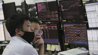 Piyasalarda koronavirüs ve petrol restleşmesi şoku sürüyor