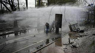 مصادمات بين المهاجرين والشرطة اليونانية في بوابة كاستاني الحدودية بين تركيا واليونان 08/03/2020