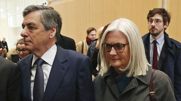 دادستانان برای نخست وزیر پیشین فرانسه ۲ سال حبس درخواست کردند