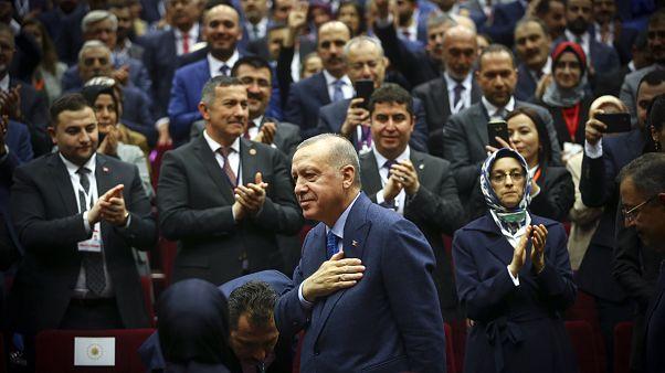 Türkiye Cumhurbaşkanı ve AK Parti Genel Başkanı Recep Tayyip Erdoğan, partisinin genel merkezinde düzenlenen Genişletilmiş İl Başkanları Toplantısı'na katıldı.