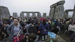 İngiliz hükümeti ülkenin en önemli anıtlarından Stonehenge'in altından yaklaşık 3,2 km'lik tünel geçeceğini açıkladı.