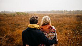"""حب ولمس وجنس.. كيف يغير """"كورونا"""" مجرى حياتنا العاطفية وفرص المواعدة؟"""