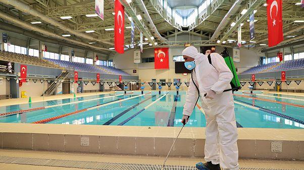 Koronavirüs Türkiye'de: Alınan önlemler neler? Sağlık Bakanı'ndan 2 ay sabredin mesajı