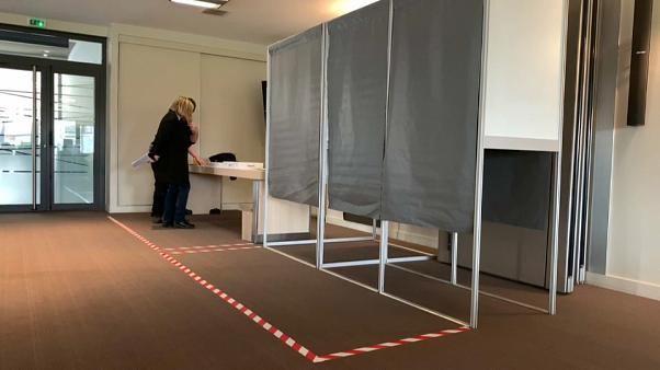 França prepara eleições municipais com coronavírus
