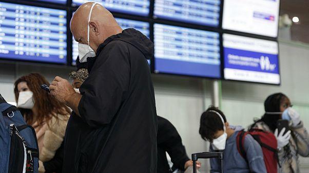 تعجیل مسافران آمریکا برای خروج از اروپا با بلیتهای تا ۲۰ هزار دلاری