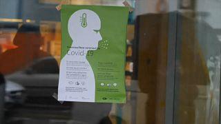 Plakat am Eingang Uni-Krankenhaus CHUV in Lausanne