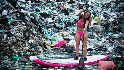 Revealing the global trash issue.