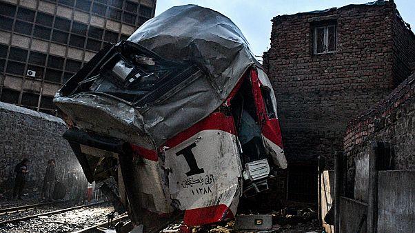 مصر: 13 جريحاً في تصادم قطارين بالقاهرة