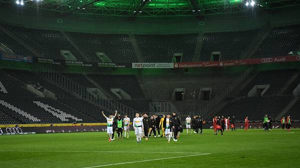 Coronavirus: Bundesliga will Spielbetrieb ab Dienstag unterbrechen