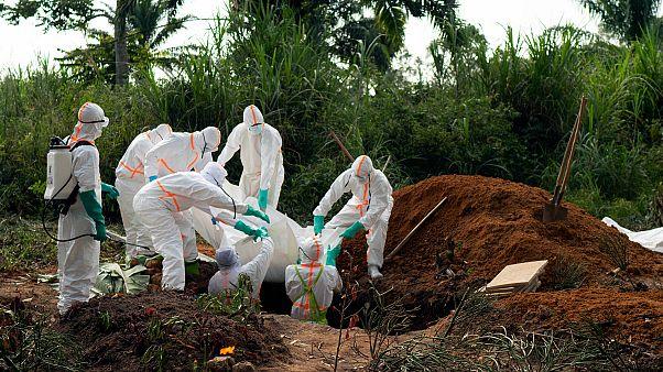 Ebola'yı ortaya çıkaran uzmandan uyarı: Koronavirüsün yayılma tehlikesi çok daha yüksek