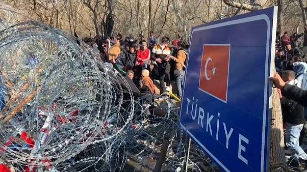 Kelepcében a menekülők a török-görög határon