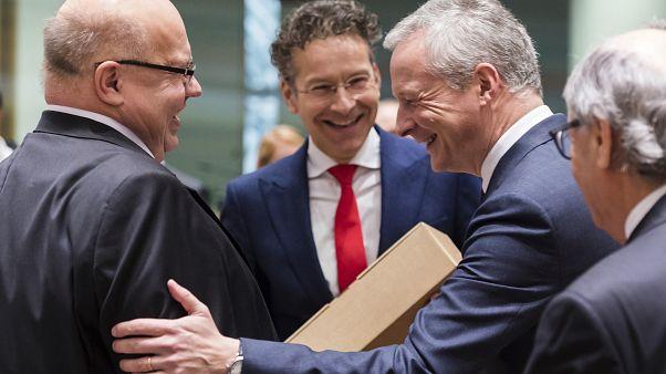 """Coronavírus: Alemanha anuncia linha de crédito """"sem limites"""""""