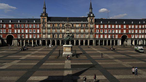 La Plaza Mayor de Madrid desierta