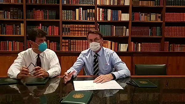 Bolsonaro desmente infeção por coronavírus