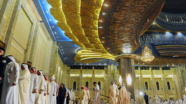 """وباء كورونا: مساجد الكويت تختم الأذان بـ """"صلوا في رحالكم"""""""