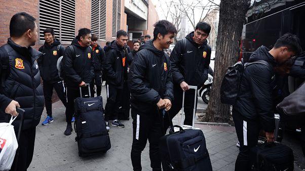 Equipa de futebol de Wuhan de regresso a casa
