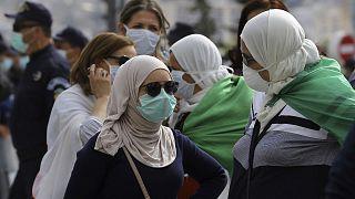 الشرطة الجزائرية تفرق مظاهرة بالعاصمة وتحتجز أكثر من 50 شخصاً