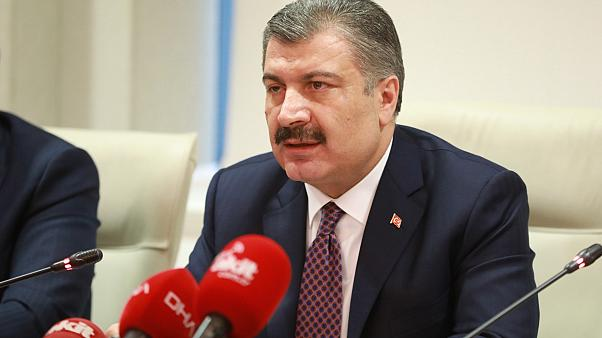 Sağlık Bakanı Koca: Umreden dönen bir vatandaşın koronavirüs testi pozitif çıktı