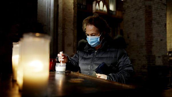 Coronavirus: le chiese riaperte a Roma restano praticamente deserte