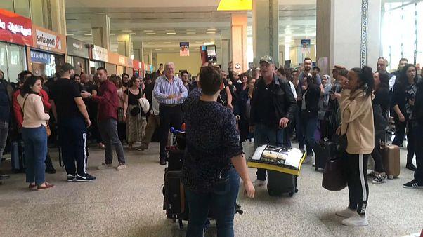 """""""Wir sind Geiseln Marokkos"""": Urlauber sitzen nach Einstellung des Flug- und Fährverkehrs fest"""