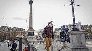 5000 reichen nicht: Briten brauchen Beatmungsgeräte