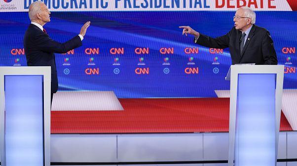جو بايدن وبيرني ساندرز خلال المناظرة التي جمعت بينهما أمس