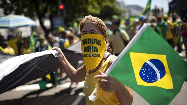 تظاهرات حامیان بولسونارو در سایه ترس از شیوع ویروسکرونا در برزیل