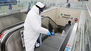 İstanbul Büyükşehir Belediyesi (İBB) yeni tip koronavirüse (Covid-19) karşı metroları dezenfekte ediyor