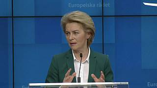 Coronavirus, Von der Leyen propone lo stop dei viaggi verso l'Unione europea