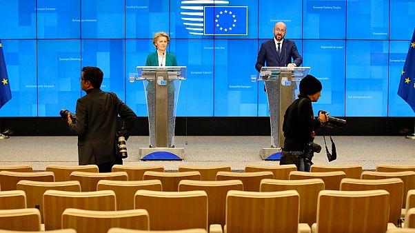 رئيسة المفوضية الأوروبية تقترح فرض قيود على السفر إلى أوروبا بسبب تفشي كورونا