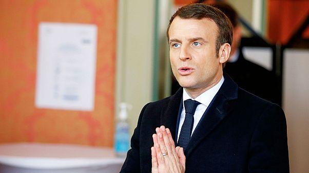 Coronavirus: la Francia serra i ranghi, Macron annuncia stop per 15 giorni