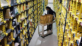 Amazon depo çalışanı