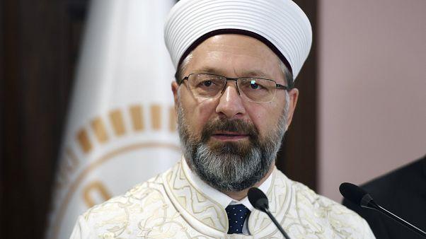 علي إرباش رئيس هيئة الشؤون الدينية التركية