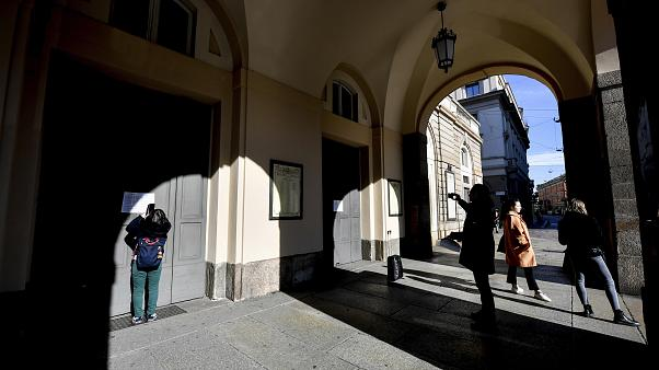 Coronavirus: The show can't go on! How much will Italian actors, companies and theatres lose?
