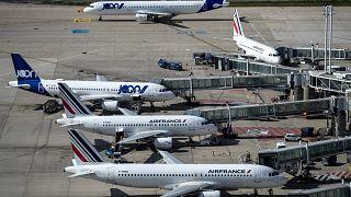 Koronavirüs salgını yüzünden zor günler geçiren havayolu şirketleri ne durumda?