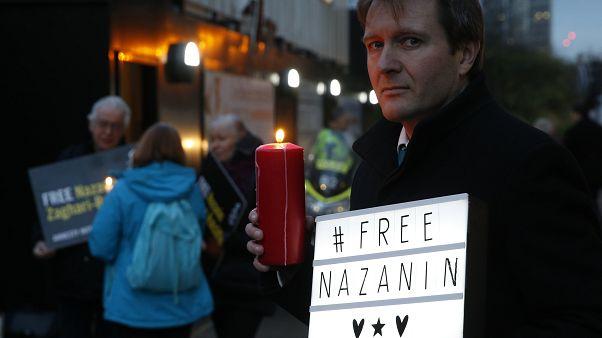 Richard Ratcliff vor der iranischen Botschaft in London (16.01.2017)