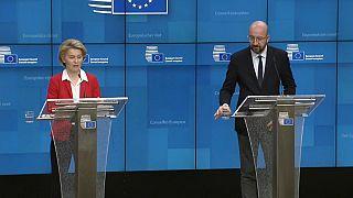 La présidente de la Commission européenne Ursula Van der Leyen et le président du Conseil européen Charles Michel
