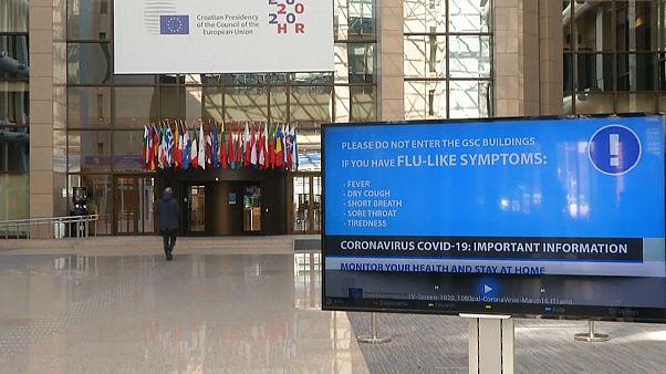 União Europeia encerra fronteiras externas
