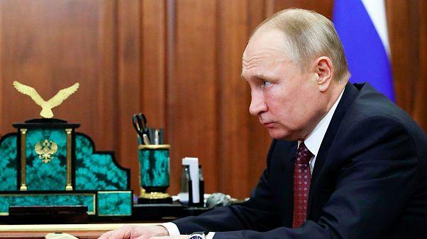 پوتین دستور برگزاری همهپرسی برای تسهیل ریاست مجدد خودش را صادر کرد