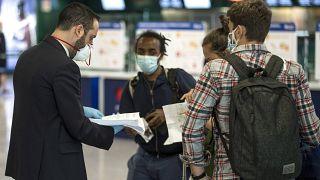 """COVID-19: пандемия """"закрыла"""" Евросоюз на карантин"""
