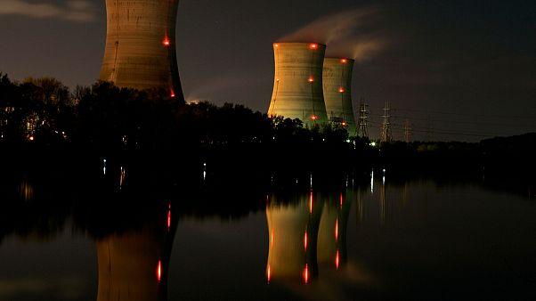 Photo d'illustration - cheminées de la centrale nucléaire de Three Mile Island aux Etats-Unis en novembre 2006