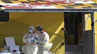 جمع عينات للفيروس من حالات إصابات متوسطة غلى خطيرة فيماريلاند - 2020/03/13