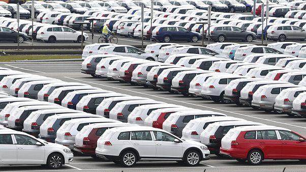 Raktáron maradt autók a Volkswagen gyárában, Zwickauban