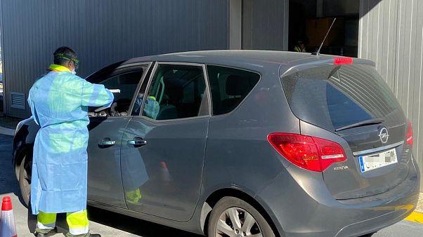 El hospital del Meixoeiro de Vigo comienza a realizar las pruebas del coronavirus en los coches